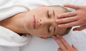 индийски-масаж-на-главата