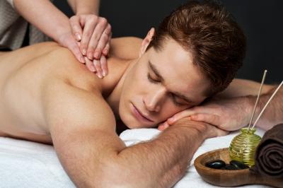 Болки в гърба, лекувани с масаж